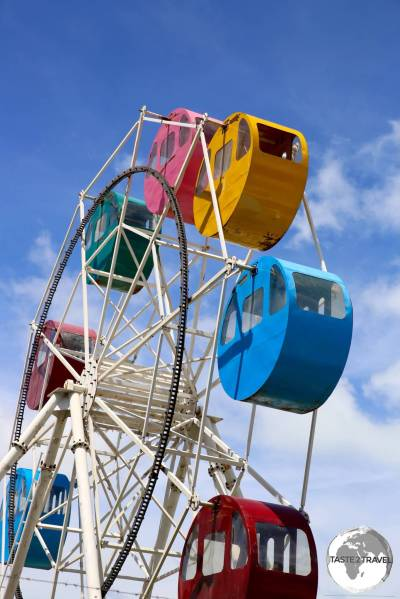 A colourful Ferris Wheel at Bonriki.
