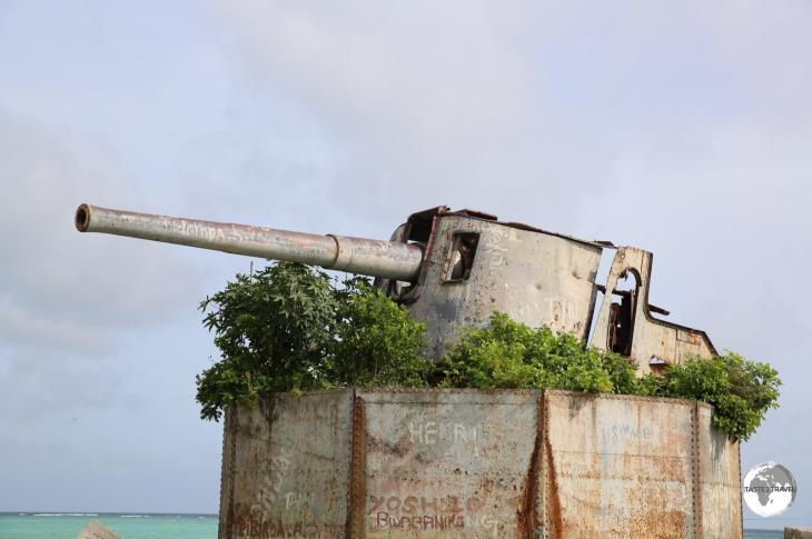 Japanese Artillery installation on Betio Island.