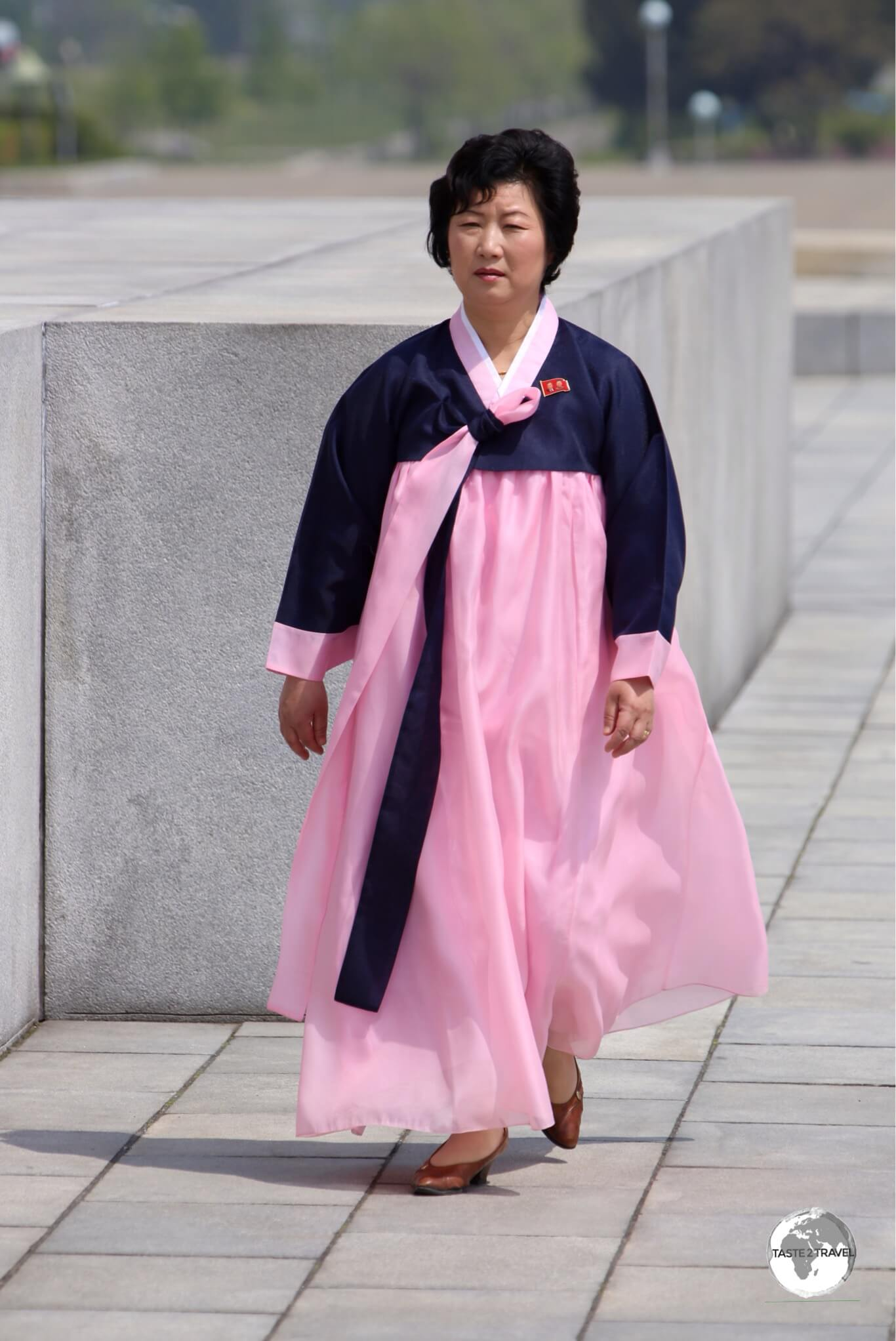 Many women in North Korea wear the traditional 'Choson-ot'.