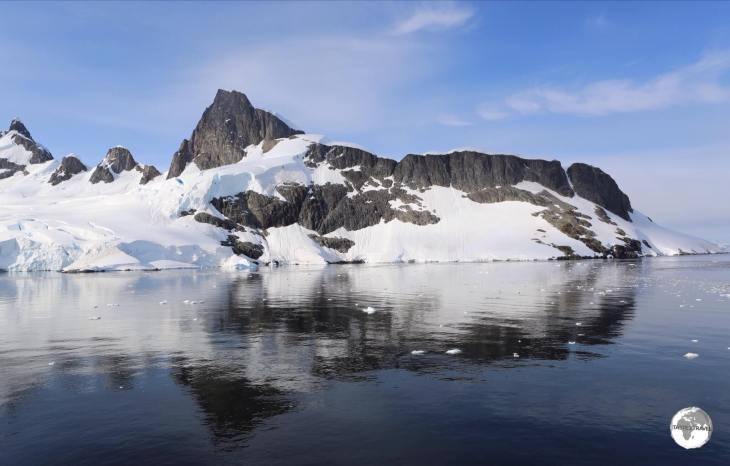 A view of the mountainous Antarctic peninsula from the Graham passage.