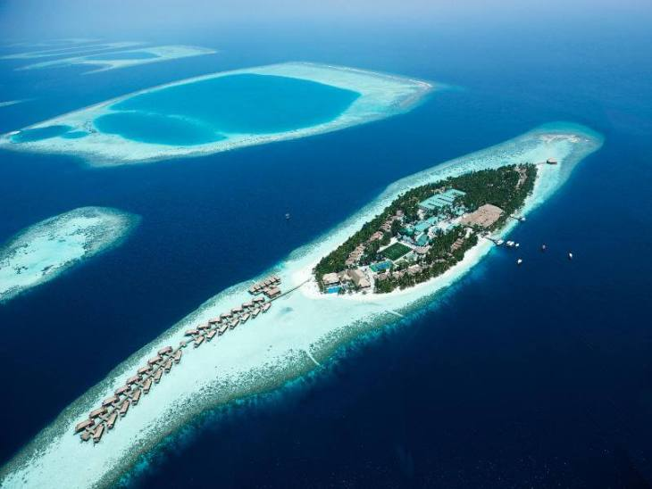 My home for four nights - the spectacular Vilamendhoo resort. Source: Vilamendhoo.com