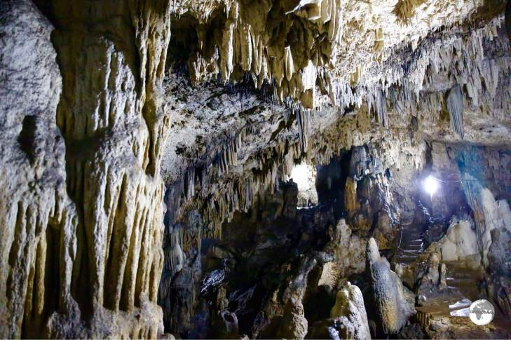 'Anahulu Cave features soaring limestone caverns and lots of bats and swiflets.