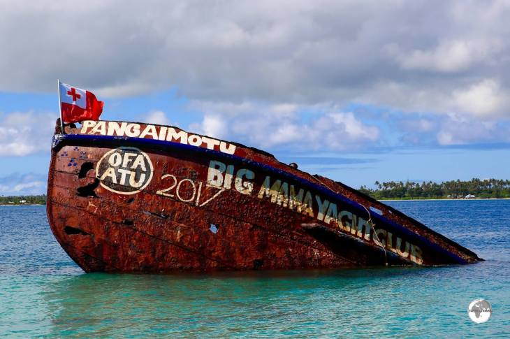 The wreck at Pangaimotu island is great for snorkeling around or jumping off.