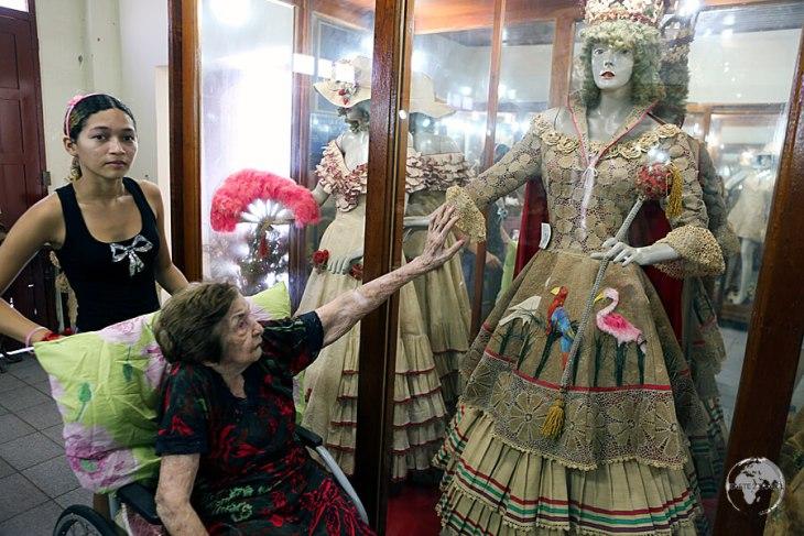 Dica Frazão providing me with a tour of her unique collection.