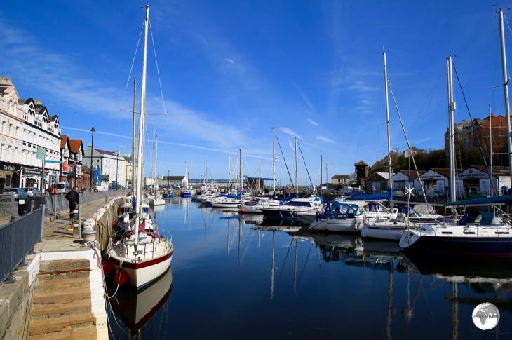 The very pleasant Douglas Marina and Quayside is lined with restaurants, bars and cafes.