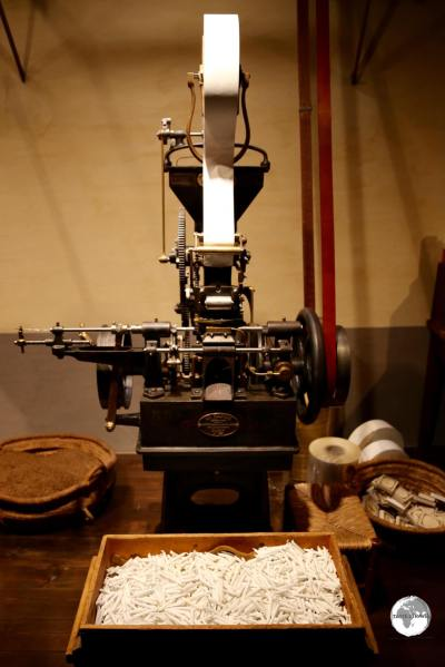 Cigarette-making machine at the Museu del Tabac.