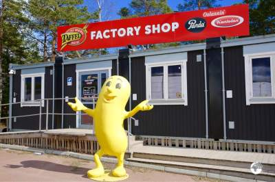 The factory shop at the Taffel Potato Chip factory.