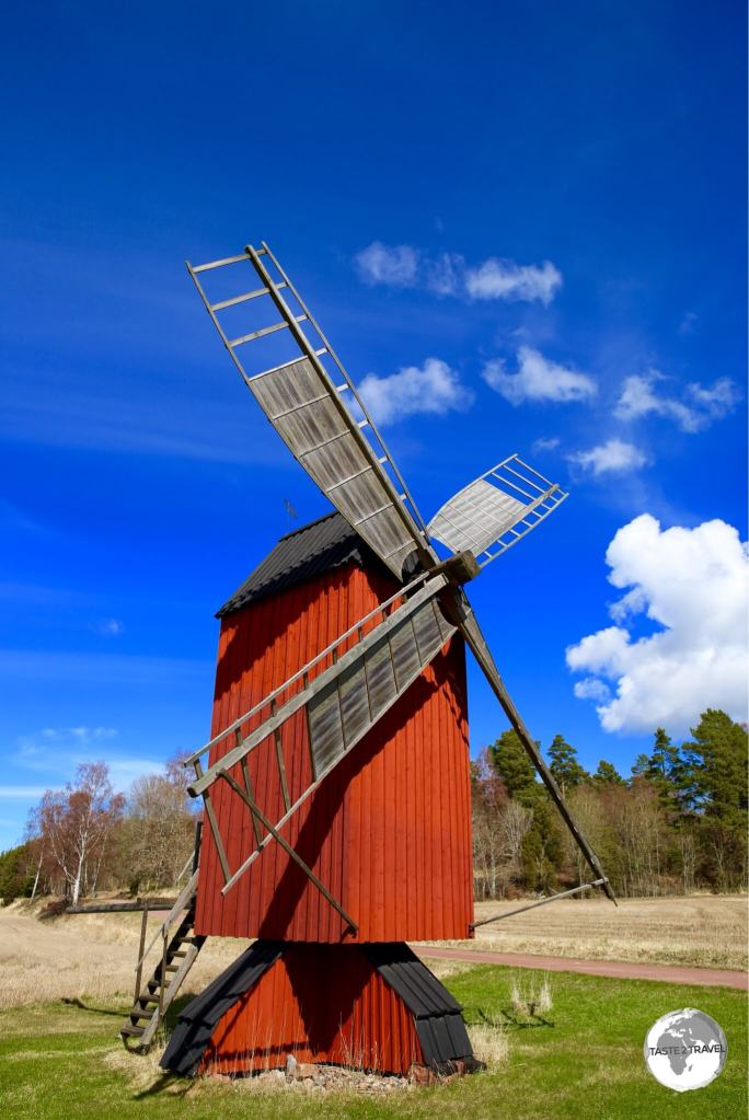 There are many windmills on the Åland Islands and all of them are painted in 'Falu Red'.