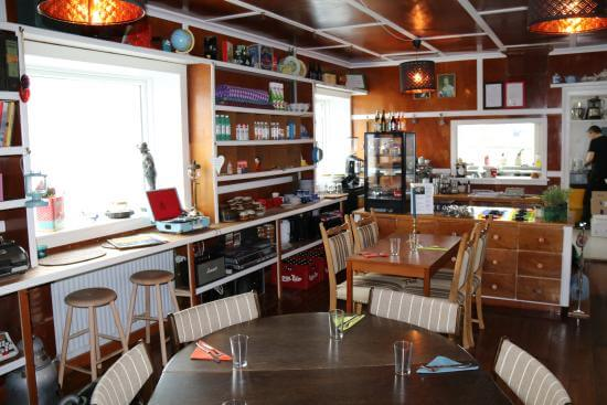 he cosy and charming Café Fjørðoy at guest house Hugo features a treasure trove of historical objects which have remained in the house over the decades.