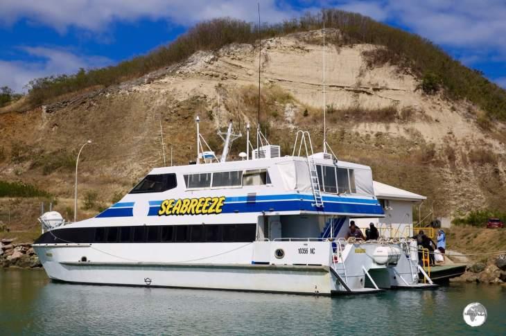 The Seabreeze catamaran provides a regular connection between Koumac and the Belep archipelago.