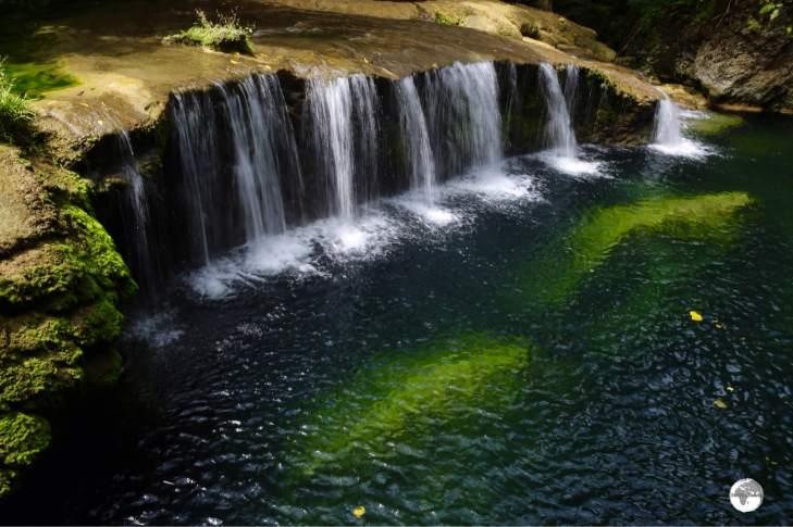 The beautiful waterfall at Raru Rentapau River.