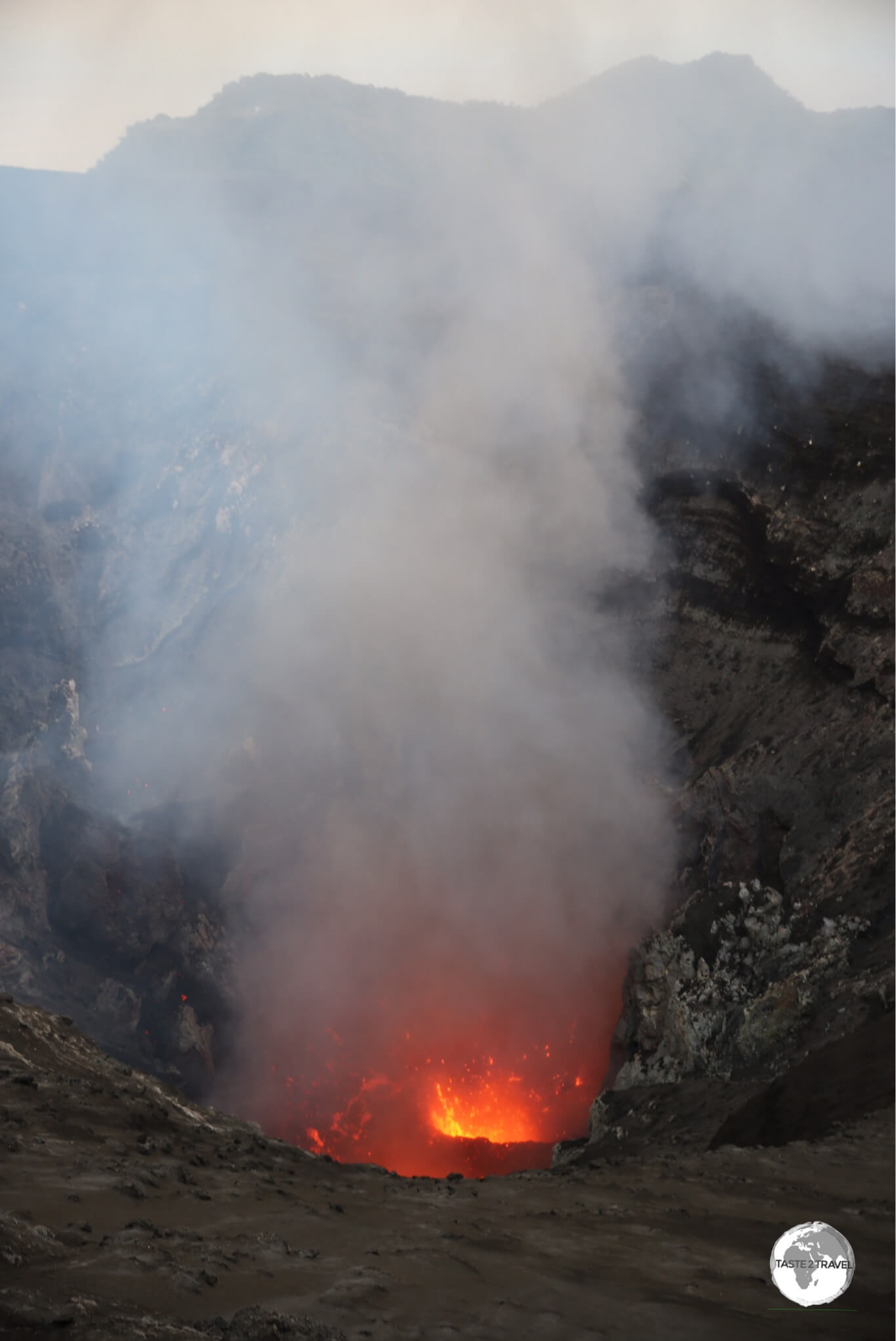 A glimpse into the heart of the volcano before the sun disappeared.