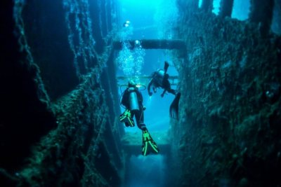 Diving the SS Coolidge. Source: discovervanuatu.com