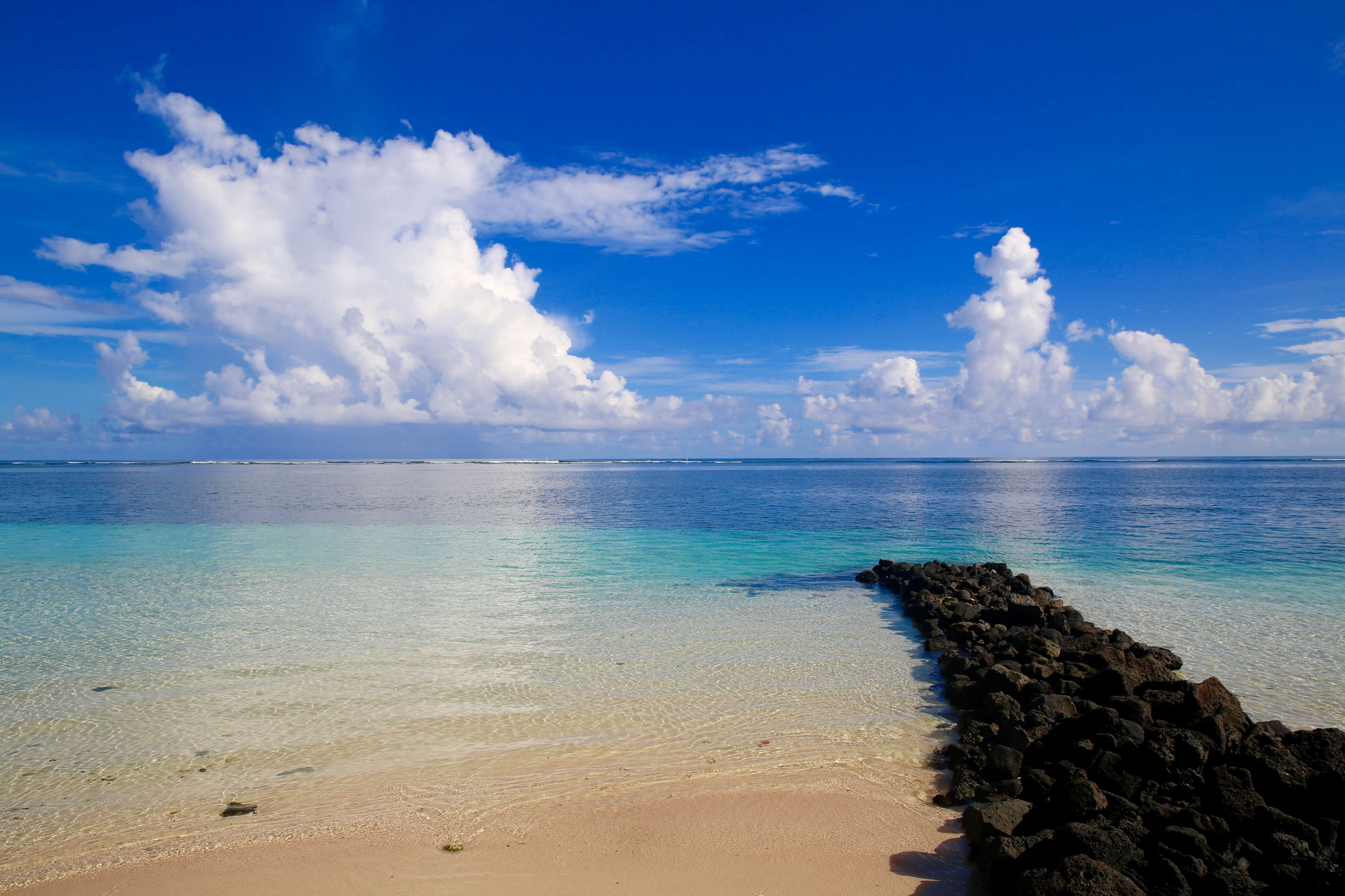 The azure waters of Manase beach.