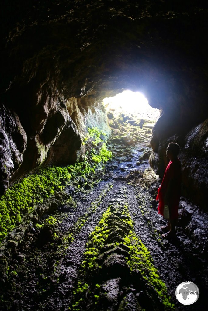 PeaPea Cave is a lava tube which is apparently 1 km in length.