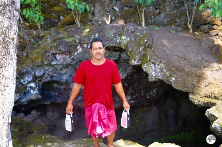 The custodian of Peapea cave, and my guide, Mati, at the entrance to the lava tube.