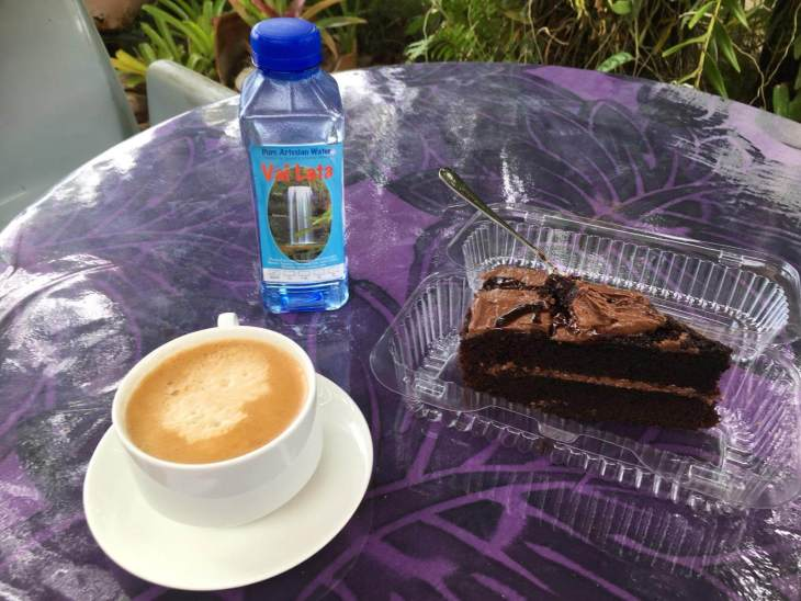 Morning tea stop at Netta's Cakes, which offers the best coffee and cake on Savai'i.