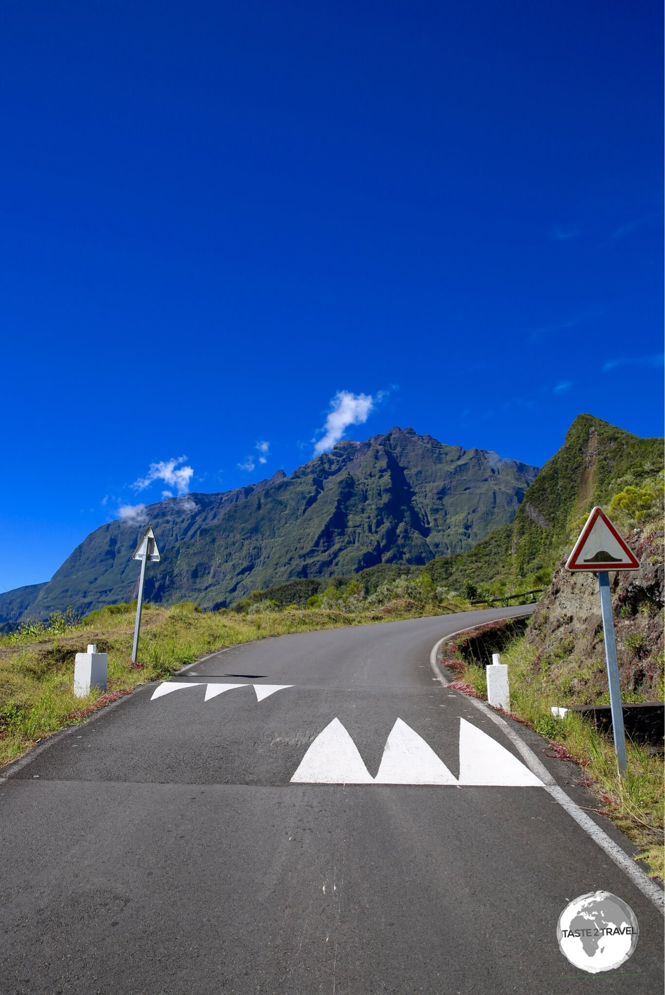 While there are no roads inside the Cirque de Mafate, a back road from the Cirque de Salazie does allow partial entry by car.