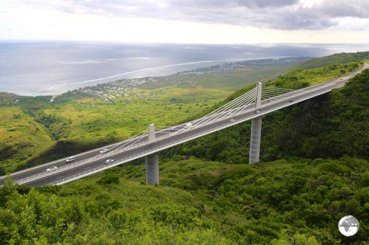 The RN1 passes over the spectacular 'Route des Tamarins' bridge on the west coast of Reunion.