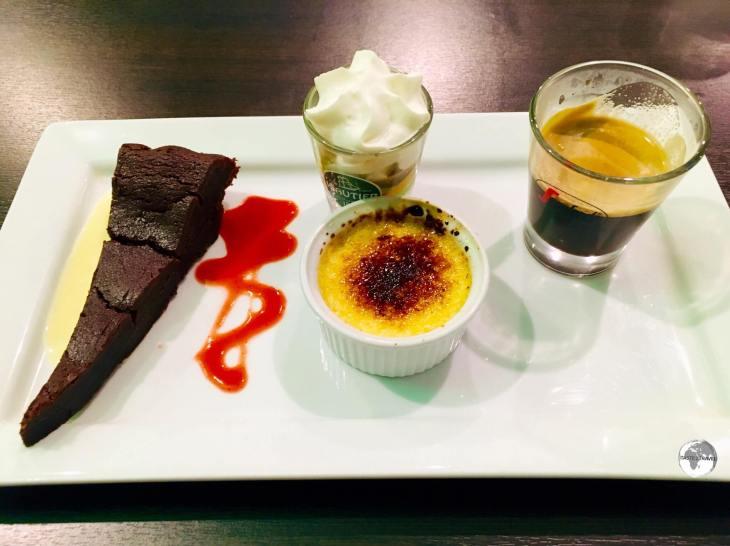<i>Café gourmand</i>, a selection of desserts, is a popular dessert choice on Réunion.