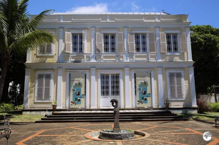 Housed in a former mansion, <i>L'Artothèque</i> displays local contemporary art.