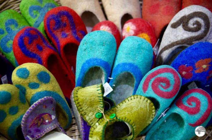 Felting is an integral part of Kyrgyz nomadic culture. The colourful slippers from the Saima are an ideal (and practical) souvenir.