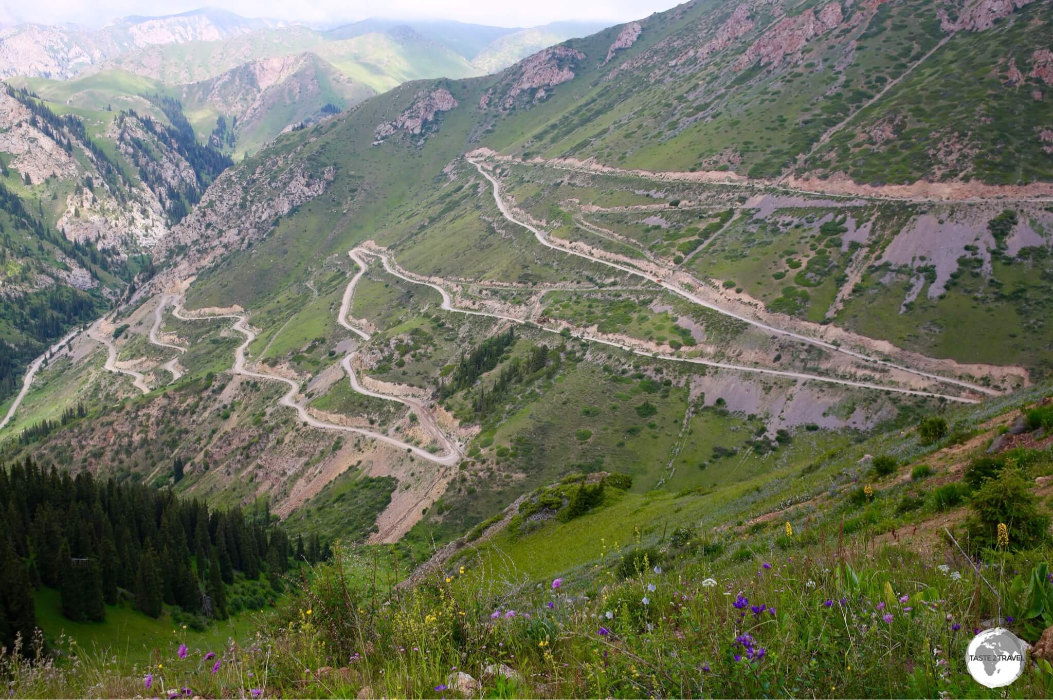 The road which leads to Moldo-Ashuu pass, a high mountain pass which sits at an elevation of 3,346 m (10,977 feet)