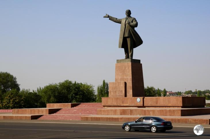A larger-than-life statue of Lenin towers over Lenin Avenue in Osh.