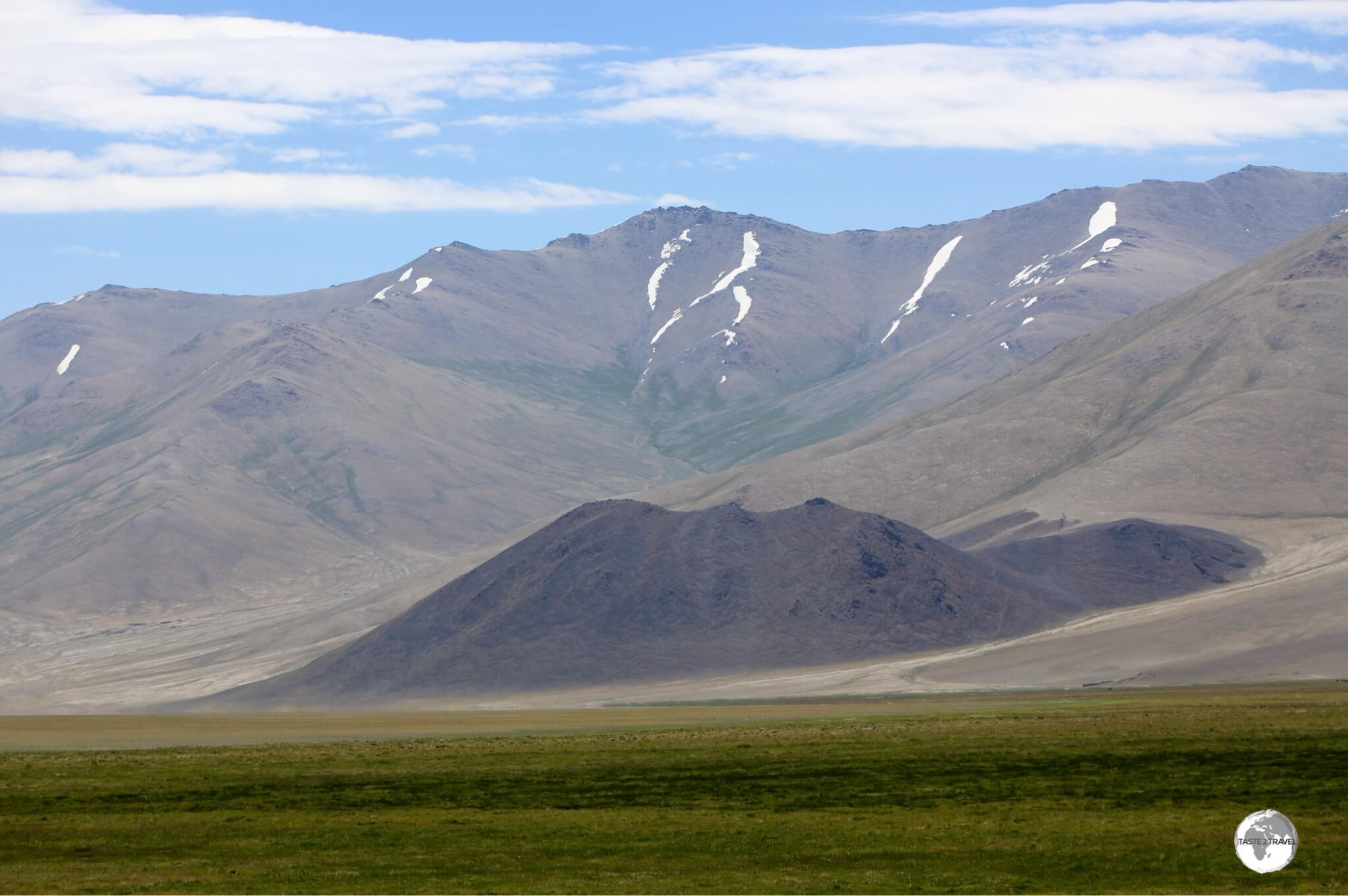A view from the Pamir highway near the town of Murgab.