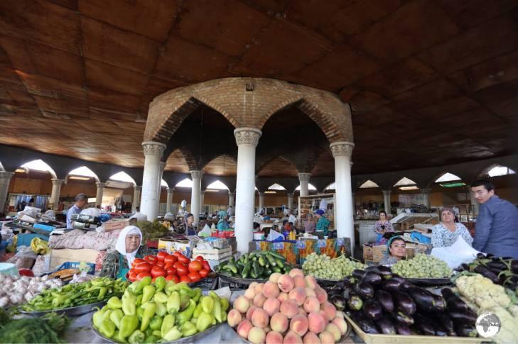 The main food hall at Panjakent bazaar.