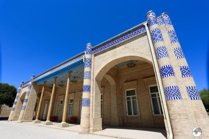 The main palace building at Nurullaboy Saroyi.