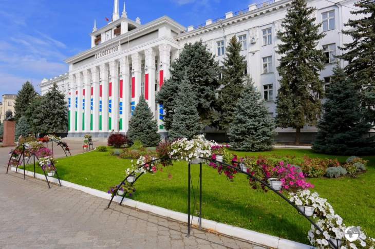 The main street of Tiraspol, 25th of October street, is lined with planter boxes full of colourful flowers.