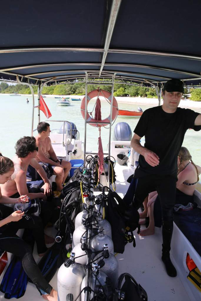 On board the Octopus diver boat, heading to the first dive site.