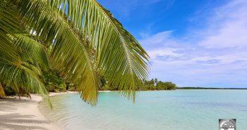 Sandy Point beach, the finest beach on Home Island.