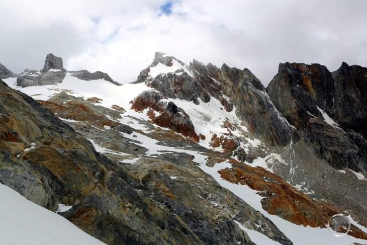 The 'Ojo del Albino' Glacier is located 1,000 metres above Laguna Esmeralda in the Sierra Alvear range, the largest mountain range in Tierra del Fuego.