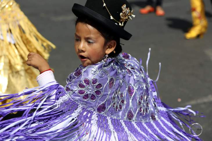The festival, which is a two day event held around the 8th of September each year, sees thousands of costumed dancers, young and old, parading through the old town of Sucre.