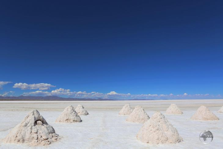 Located at 3,663 m (12,000 ft), and spanning more than 10,000 square kilometres (3,900 square miles), the Salar de Uyuni in Bolivia is the world's largest salt flat.