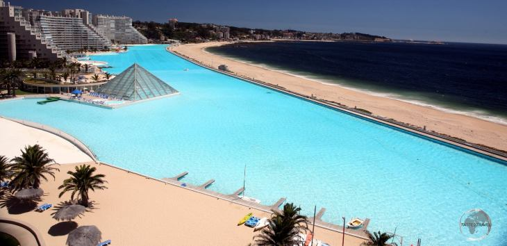 Located in the coastal town of Algarrobo, 100 km west of Santiago, the San Alfonso del Mar resort is home to the world's largest swimming pool which is more than 1 km in length.