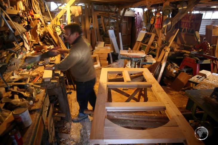 The main material employed in Chilotan architecture, an architectural style unique to Chiloé Island, is wood, which ensures local woodworkers are kept very busy.