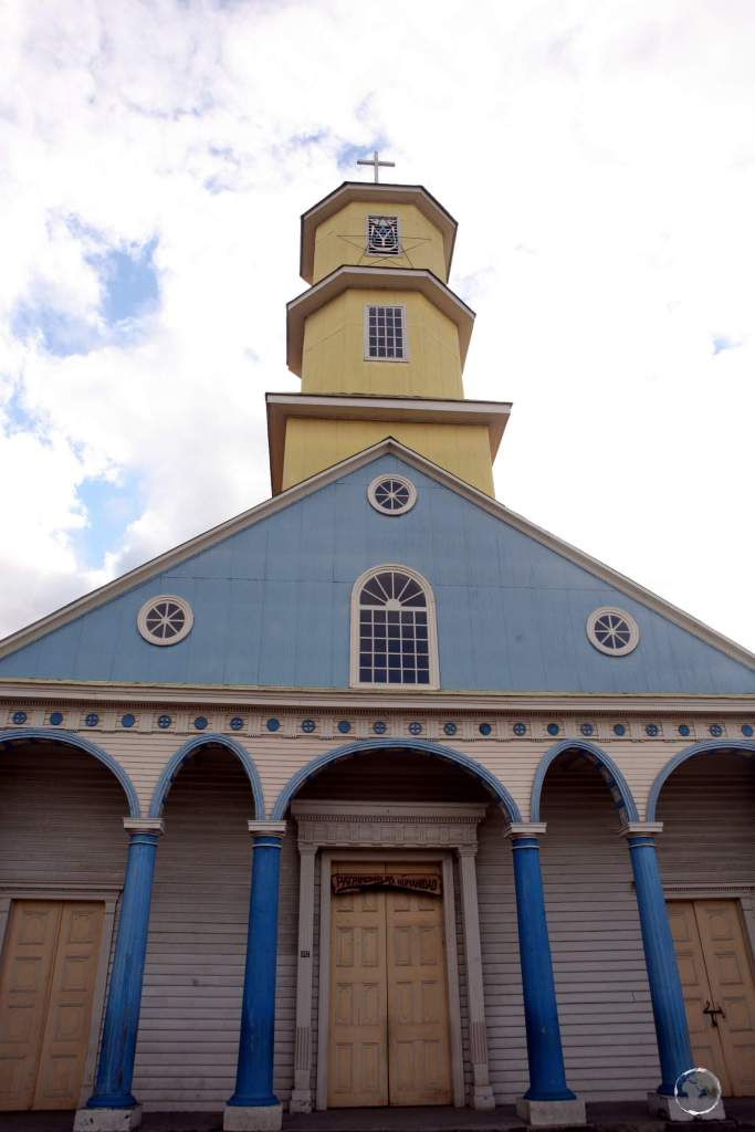 Another fine example of Chilota architecture, the Church of Chonchi, or 'Iglesia San Carlos de Chonchi', commenced construction in 1754 but was not completed until 1859.