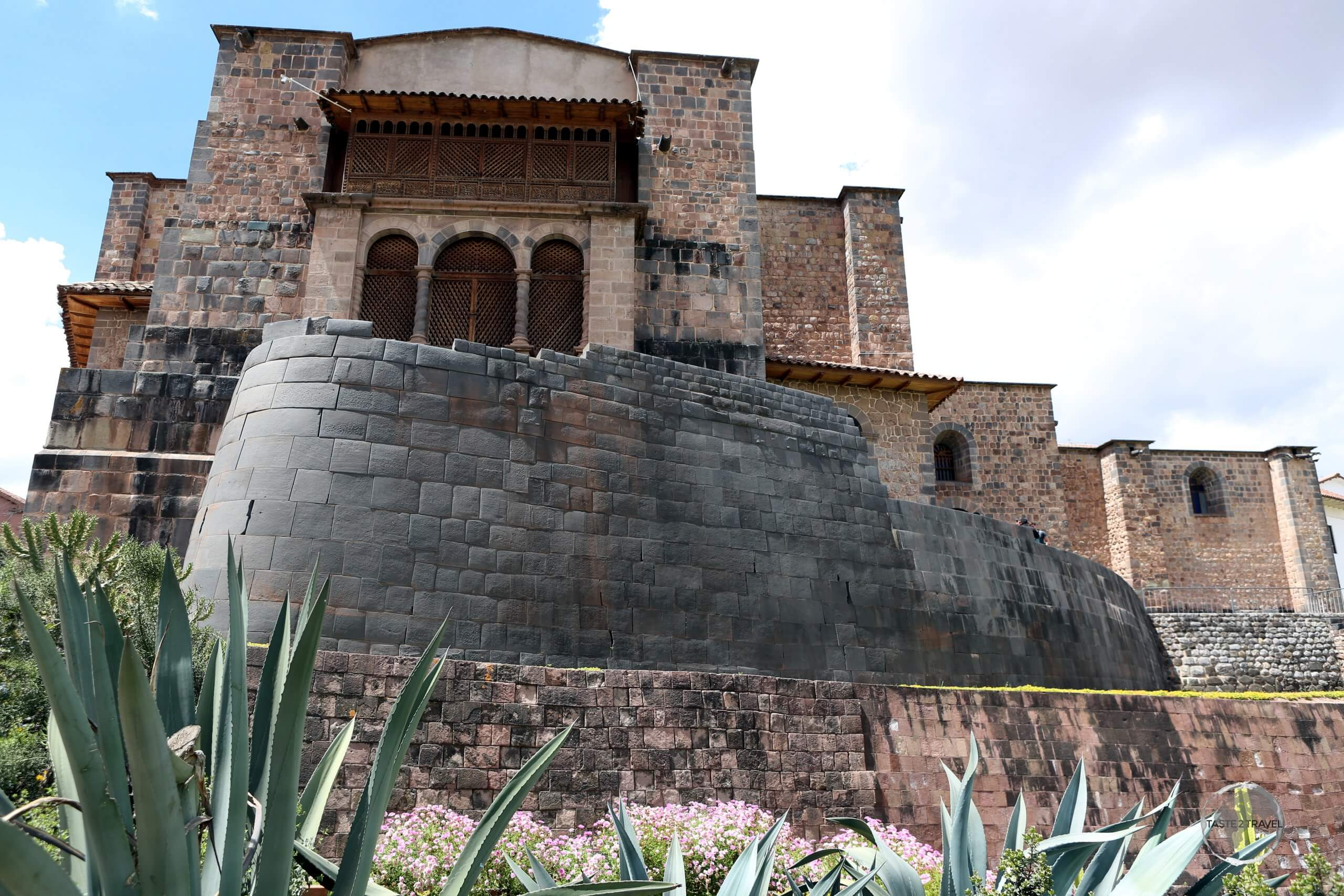 Exterior view of the remains of the Coricancha, which clearly shows the perfect Inca masonry which was overlaid by the much rougher Spanish masonry.
