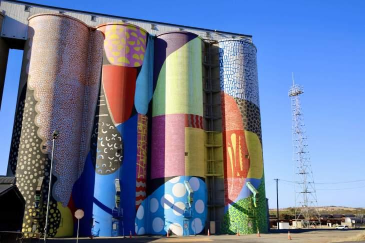 Painted silos at Northam.
