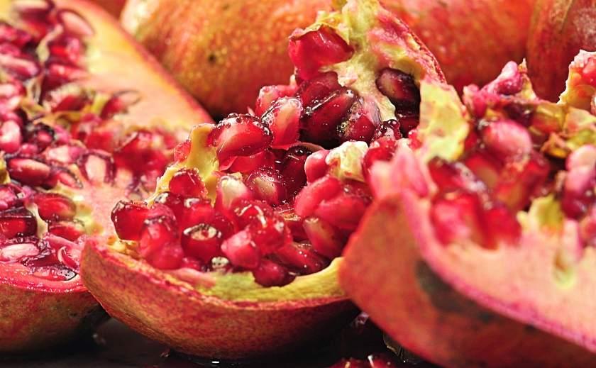 pomegranate_closeup