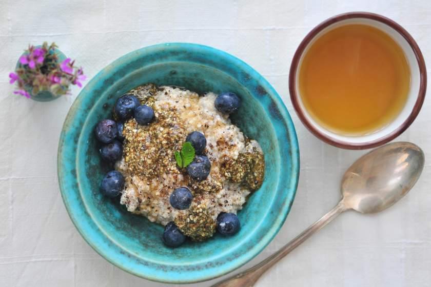 Quinoa_porridge_with_pumpkin_butter_1