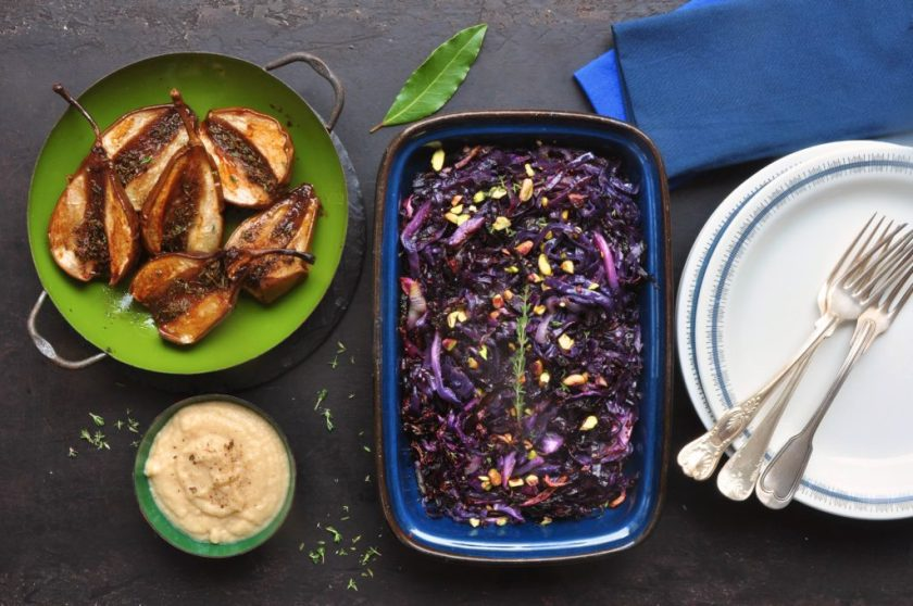 Braised_pears_with_cabbage_confit_and_white_chocolate_onion_puree