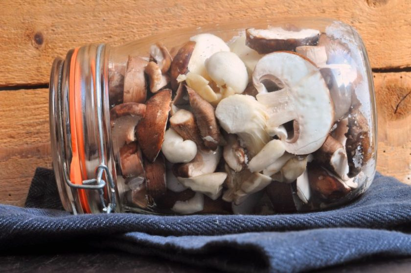 Homemade_soy_sauce_of_mushrooms