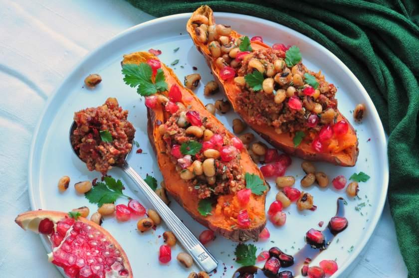 Muhammara_with_oven_baked_sweet_potatoes_6