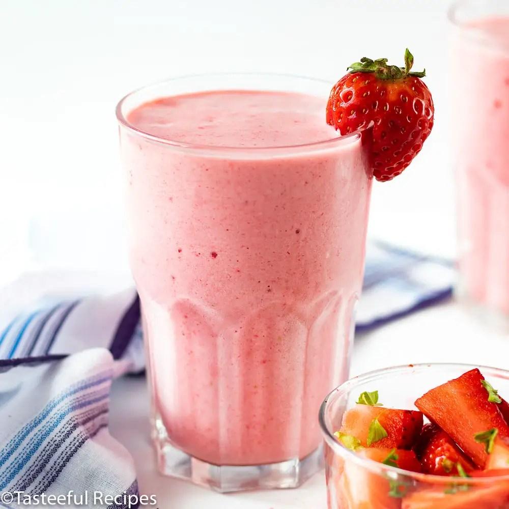 Berry Pink Smoothie Recipe - Tasteeful Recipes