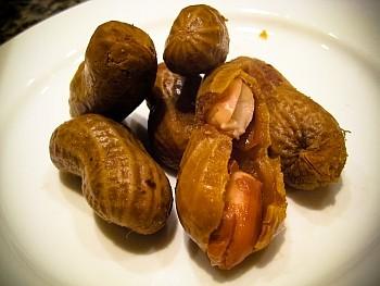 boiled peanuts - photo Copyright 2009 TasteOdyssey.com