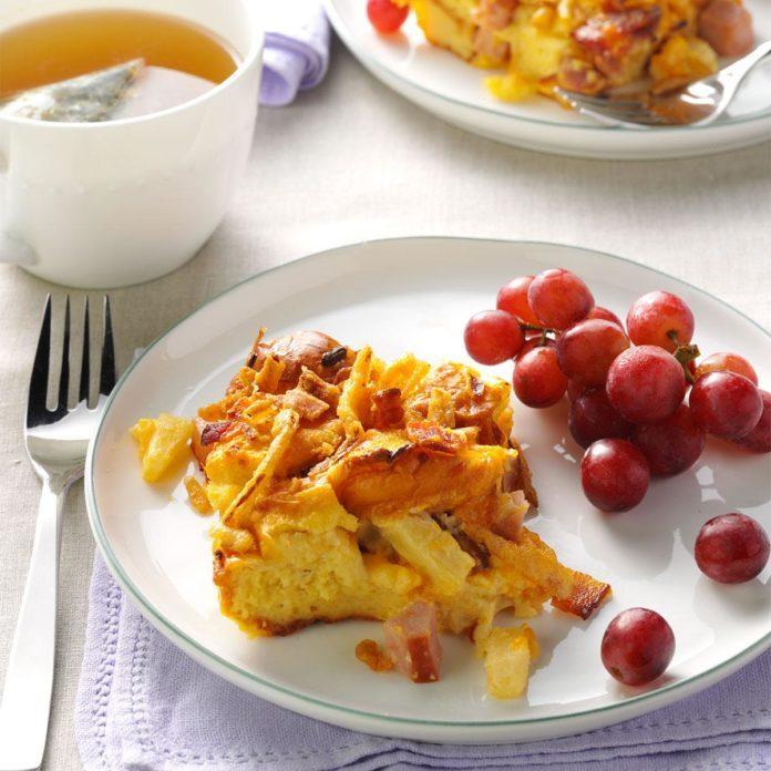 Hawaiian Bacon & Pineapple Breakfast Bake